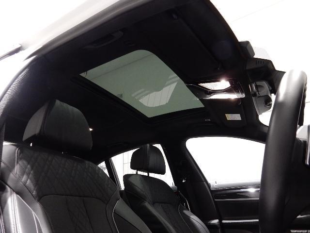 740d xDrive Mスポーツ 黒革 20インチ(15枚目)