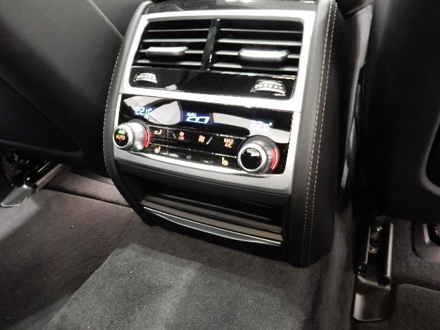 740d xDrive Mスポーツ 黒革 20インチ(16枚目)