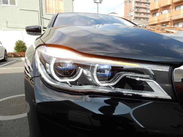 LEDヘッドライト。夜間や悪天候時も優れた視認性を発揮し安全、快適性を高めます。 お車詳細や展示状況はBPS城東鶴見06-6933-6600迄お気軽にお問合せ下さいませ!