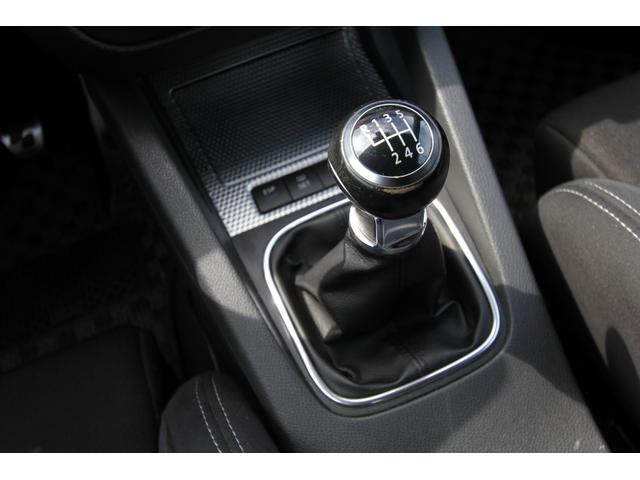 R32 NEEZ鍛造19インチ SACHS車高調 限定レカロ前席2脚 左ハンドル 6MT Alpilリアディフューザー 天張り張替え済み(20枚目)