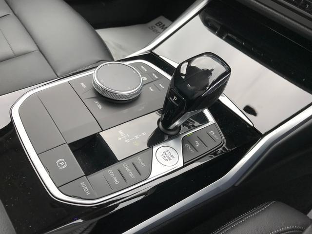 320i 弊社デモカー プラスPKG コンフォートPKG 黒革 ハンドルサポ 軽減ブレーキ 純正HDDナビ バックカメラ LEDヘッドライト ミラーETC(25枚目)