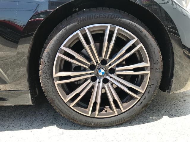 320i Mスポーツ ステアリングサポート 軽減ブレーキ 車線逸脱防止 車線変更警告 ACC 純正HDDナビ トップビューカメラ LEDヘッドライト コンフォートアクセス ハーマンカードンサウンド(16枚目)