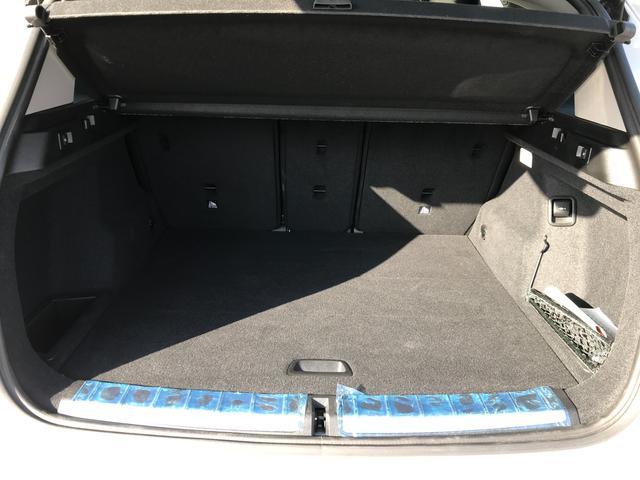 xDrive 18d xライン 限定車 URBANISTA(アーバニスタ) 210台限定 ワンオーナー タイヤ新品交換 ヘッドアップディスプレイ アクティブクルーズコントロール ブラックレザーシート ウッドパネル 純正19インチAW(19枚目)