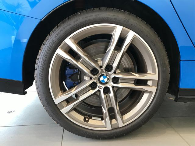 M235i xDriveグランクーペ 弊社デモカー アクティブクルーズコントロール 軽減ブレーキ車線逸脱防止 ガラスサンルーフ 純正HDDナビ トップビューカメラ LEDヘッドライト アルカンターラクロスシート ミラーETC(40枚目)