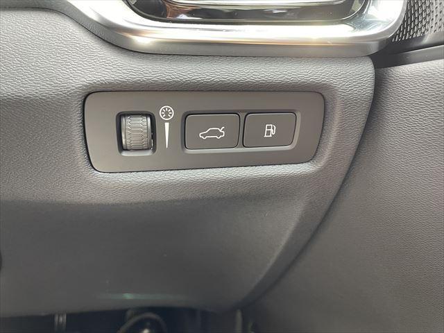 T6 ツインエンジン AWD インスクリプション 2020モデル 弊社デモカー 禁煙車 プラグインハイブリット 被害軽減ブレーキ 追従式オートクルーズ 本革シート シートエアコン マッサージ機能付フロントシート パノラマガラスサンルーフ(27枚目)