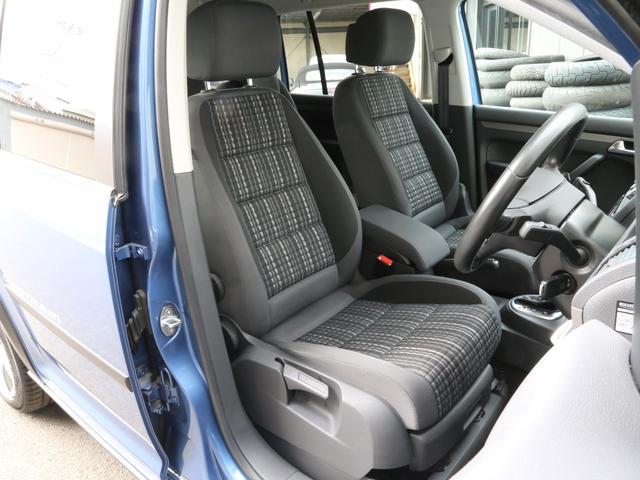 「フォルクスワーゲン」「VW ゴルフトゥーラン」「ミニバン・ワンボックス」「兵庫県」の中古車13