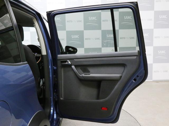 「フォルクスワーゲン」「VW ゴルフトゥーラン」「ミニバン・ワンボックス」「兵庫県」の中古車33