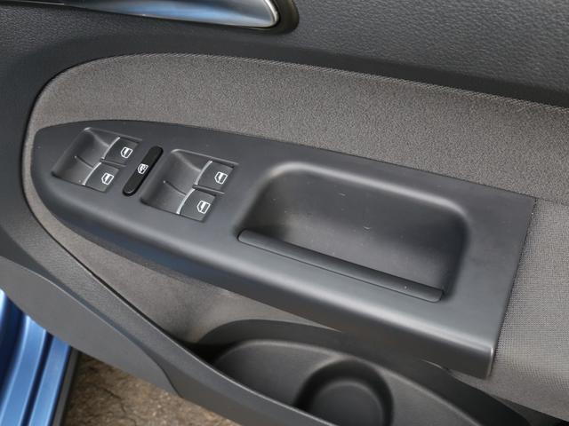 「フォルクスワーゲン」「VW ゴルフトゥーラン」「ミニバン・ワンボックス」「兵庫県」の中古車48