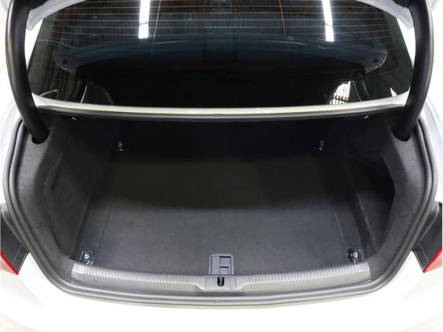 ベースグレード 禁煙 純正ナビ フルセグTV バックカメラ 純正オプション20AW パドルシフト 黒革シート アウディドライブセレクト バングアンドオルフセンサウンドシステム ブリスターフェンダー 大型ブレーキ(74枚目)