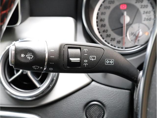 GLA180 スポーツ 禁煙1オーナー レーダーセーフティパッケージ レーンキープアシスト 純正ナビ フルセグTV USB入力端子 Bluetooth バックカメラ 電動リアゲ-ト 衝突被害軽減ブレ-キ 各部レッドステッチ(37枚目)