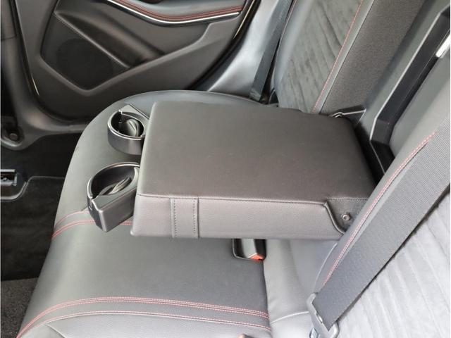 GLA180 スポーツ 禁煙1オーナー レーダーセーフティパッケージ レーンキープアシスト 純正ナビ フルセグTV USB入力端子 Bluetooth バックカメラ 電動リアゲ-ト 衝突被害軽減ブレ-キ 各部レッドステッチ(60枚目)