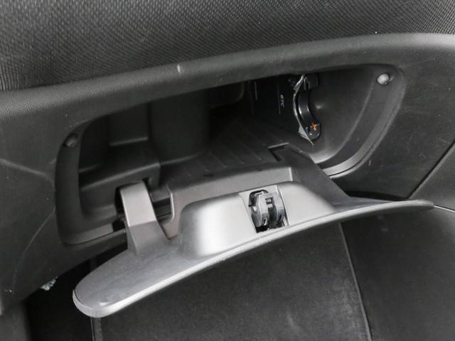 ターボ 禁煙車 ケンウッド製ドラレコ ETC リアコーナーセンサー クルコン 15AW スペアキー 取説 新車時保証書 フロアマット(30枚目)