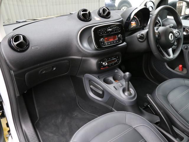 ターボ 禁煙車 ケンウッド製ドラレコ ETC リアコーナーセンサー クルコン 15AW スペアキー 取説 新車時保証書 フロアマット(31枚目)