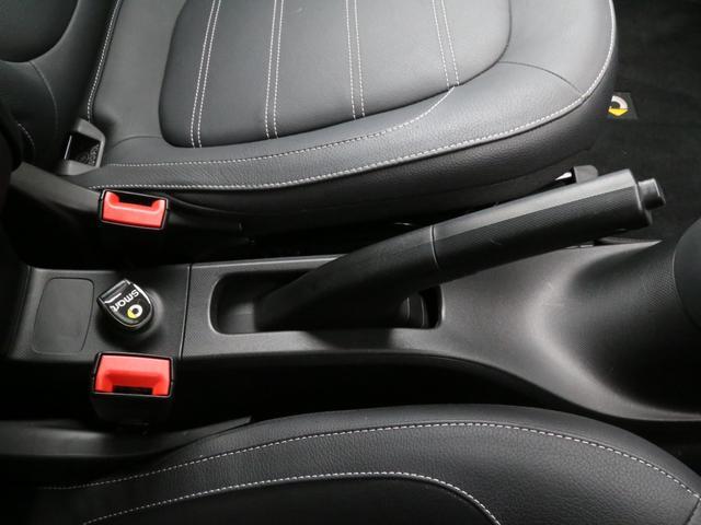 ターボ 禁煙車 ケンウッド製ドラレコ ETC リアコーナーセンサー クルコン 15AW スペアキー 取説 新車時保証書 フロアマット(39枚目)