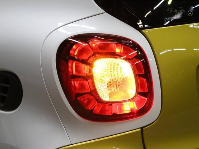 ターボ 禁煙車 ケンウッド製ドラレコ ETC リアコーナーセンサー クルコン 15AW スペアキー 取説 新車時保証書 フロアマット(71枚目)