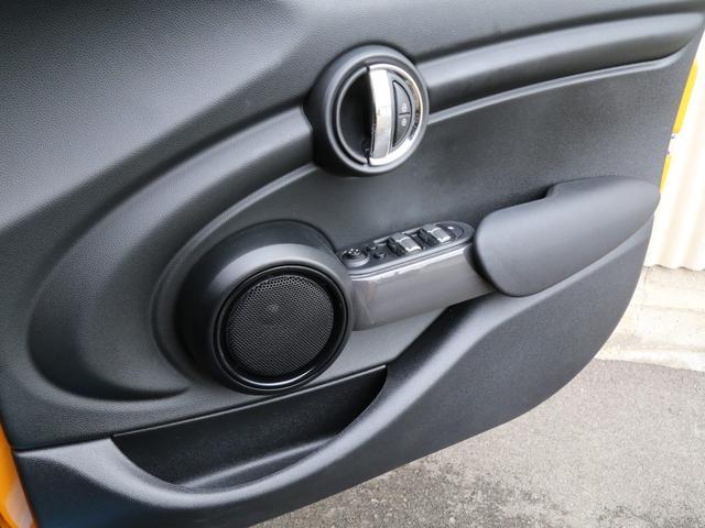 ワン 1オーナー 禁煙車 純正ナビ Bluetooth ミュージックサーバー機能 アイドリングストップ ETC スペアキー有(22枚目)