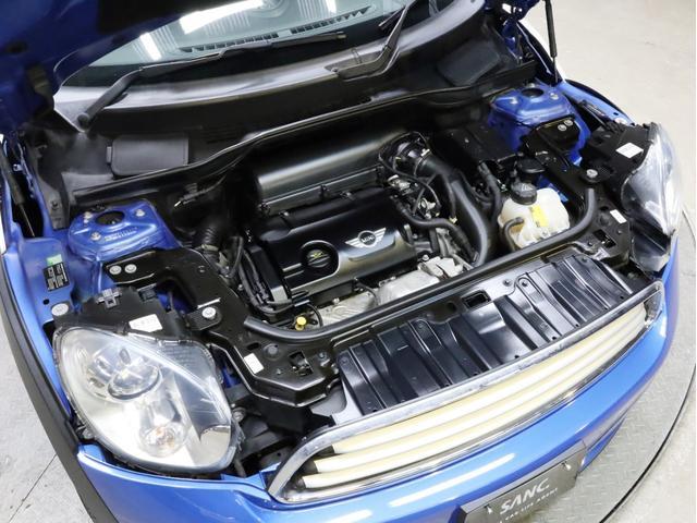 クーパー クロスオーバー オール4 禁煙 ディーラー整備記録簿 フルタイム4WD バイキセノンライト・16インチアルミ・ETC・ドライブレコーダー(16枚目)