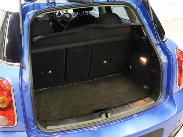 クーパー クロスオーバー オール4 禁煙 ディーラー整備記録簿 フルタイム4WD バイキセノンライト・16インチアルミ・ETC・ドライブレコーダー(17枚目)