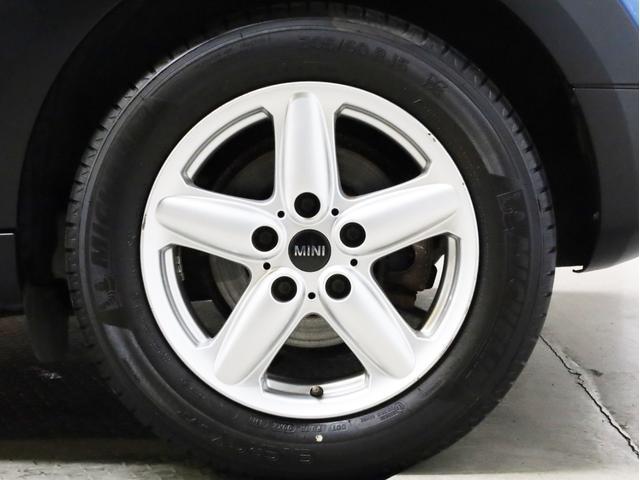 クーパー クロスオーバー オール4 禁煙 ディーラー整備記録簿 フルタイム4WD バイキセノンライト・16インチアルミ・ETC・ドライブレコーダー(19枚目)