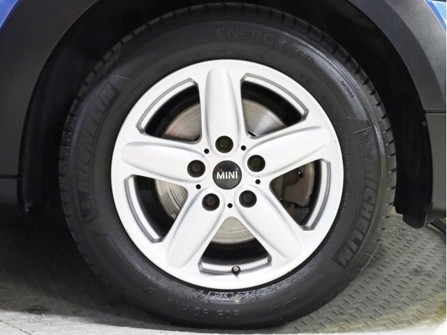 クーパー クロスオーバー オール4 禁煙 ディーラー整備記録簿 フルタイム4WD バイキセノンライト・16インチアルミ・ETC・ドライブレコーダー(20枚目)
