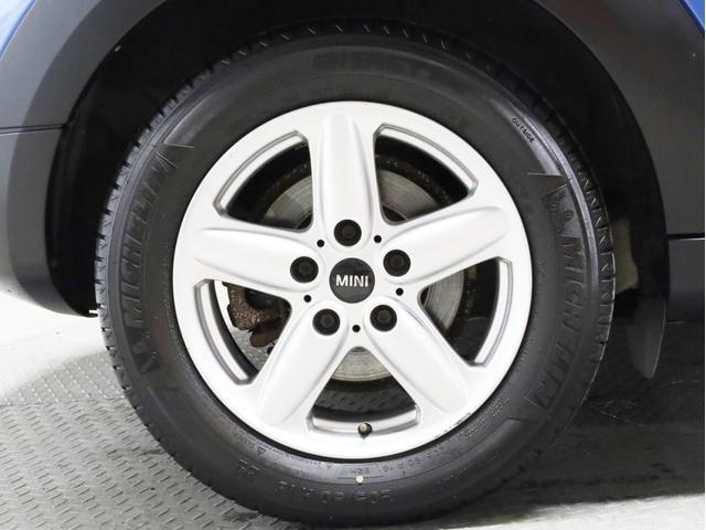 クーパー クロスオーバー オール4 禁煙 ディーラー整備記録簿 フルタイム4WD バイキセノンライト・16インチアルミ・ETC・ドライブレコーダー(21枚目)