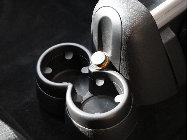クーパー クロスオーバー オール4 禁煙 ディーラー整備記録簿 フルタイム4WD バイキセノンライト・16インチアルミ・ETC・ドライブレコーダー(52枚目)