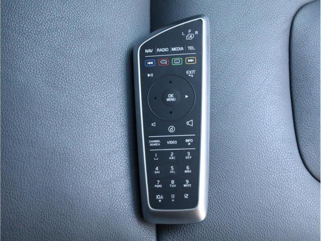 D4 クラシック 禁煙 シートヒーター 黒革 ナビゲーション・パッケージ(TV、DVD、Bluetooth、USB、ミュージックサーバー) バックカメラ サンルーフ スマートキー セーフティPkg D記録簿 スペアキー(47枚目)