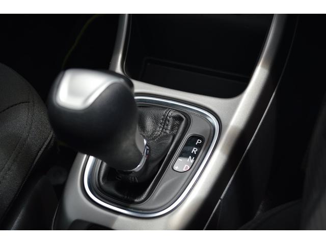 クライスラー・ジープ クライスラージープ コンパス ロンジチュード 正規ディーラー車 OP19AW 純正ナビ