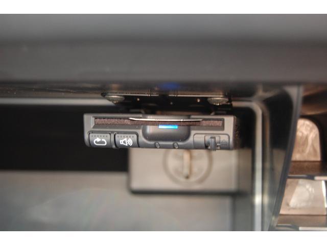 納車前の点検・整備は最大100項目のポイントを厳しくチェックしMINI純正部品だけを使用して整備します。展示状況はMININEXT城東鶴見06-6933-3298迄