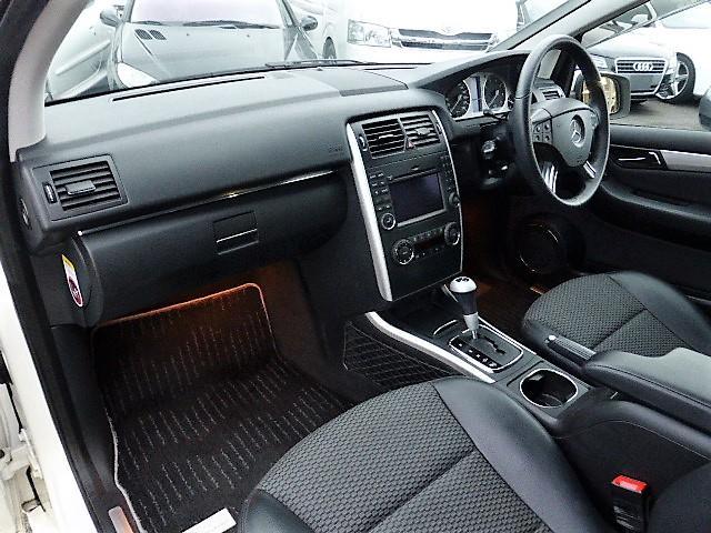 メルセデス・ベンツ M・ベンツ B200 後期 正規D車 純正ナビ ハーフレザー