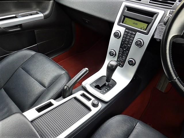 ボルボ ボルボ C30 2.0eアクティブ 正規D車 HDDナビETC HID