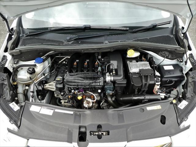 プジョー プジョー 2008 プレミアム 正規D車 1オーナー 黒革 ナビ地デジETC