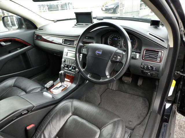 3.2SE AWD 正規D車 黒革 ナビ地デジBカメ RPT(11枚目)