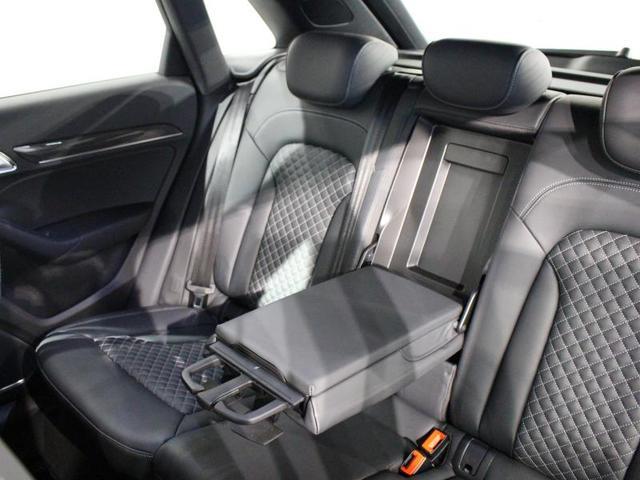 「アウディ」「アウディ RS Q3」「SUV・クロカン」「京都府」の中古車27