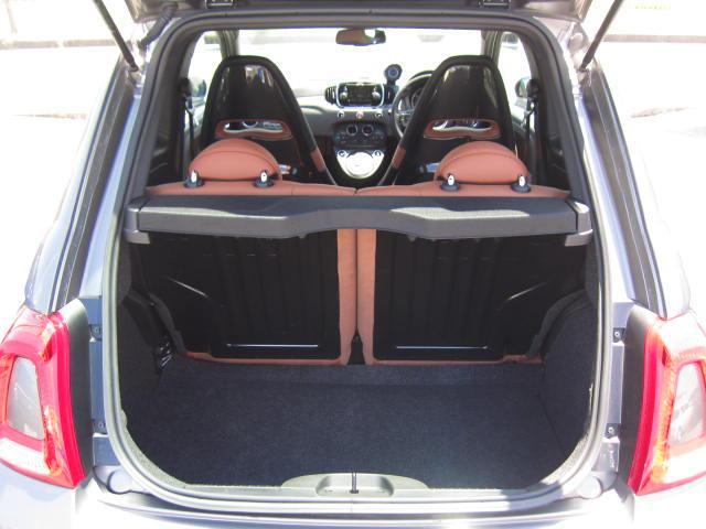 コンペティツィオーネ 正規ディーラー車 サベルトシート(8枚目)