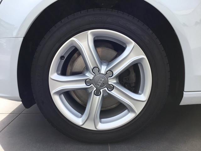 2.0TFSI 認定中古車 ベージュレザー シートヒーター付(4枚目)