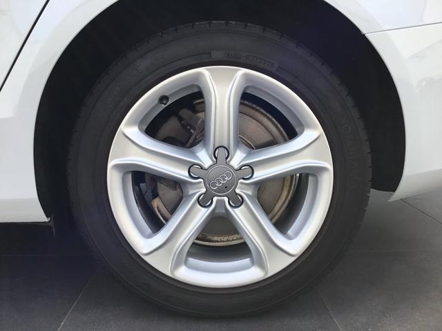 2.0TFSI 認定中古車 ベージュレザー シートヒーター付(5枚目)