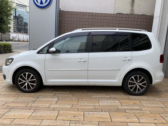 「フォルクスワーゲン」「VW ゴルフトゥーラン」「ミニバン・ワンボックス」「大阪府」の中古車5