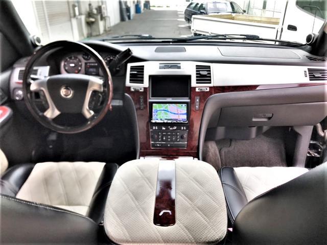 「キャデラック」「キャデラックエスカレードEXT」「SUV・クロカン」「京都府」の中古車25