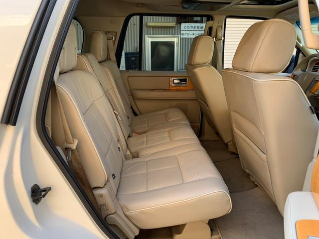 「リンカーン」「リンカーン ナビゲーター」「SUV・クロカン」「京都府」の中古車45