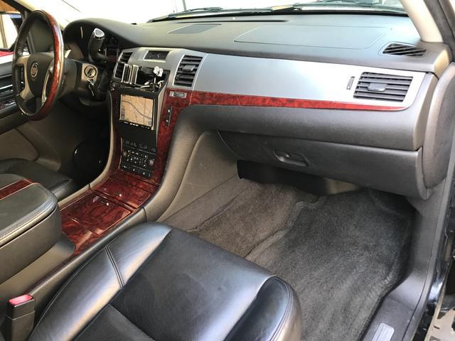 「キャデラック」「キャデラックエスカレード」「SUV・クロカン」「京都府」の中古車29