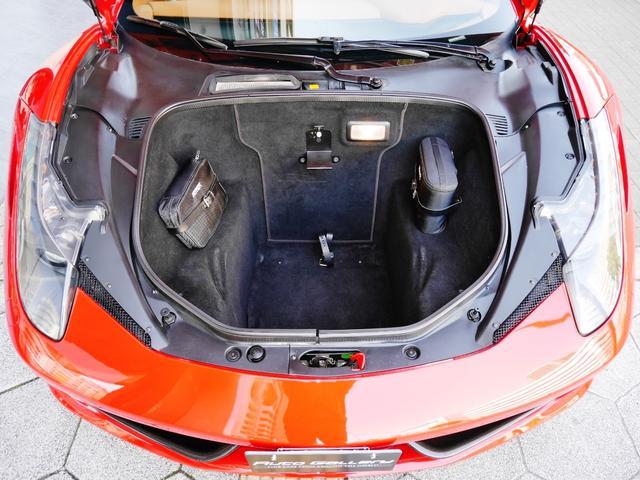 「フェラーリ」「458イタリア」「クーペ」「大阪府」の中古車26
