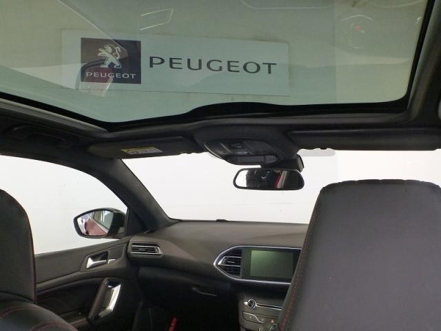 パノラミックガラスルーフ装着車