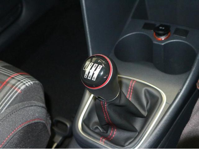 GTI ナビ バックモニター マニュアル車(10枚目)