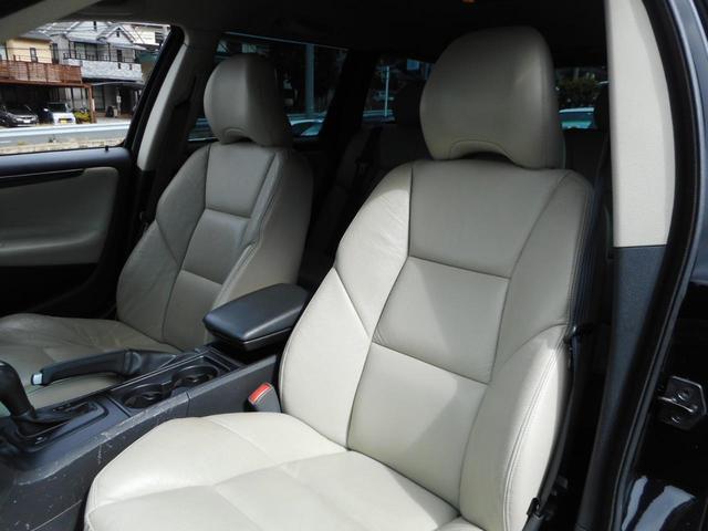 ボルボ ボルボ V70 ブラックサファイア 保証付 タイベル交換済 HDDナビ