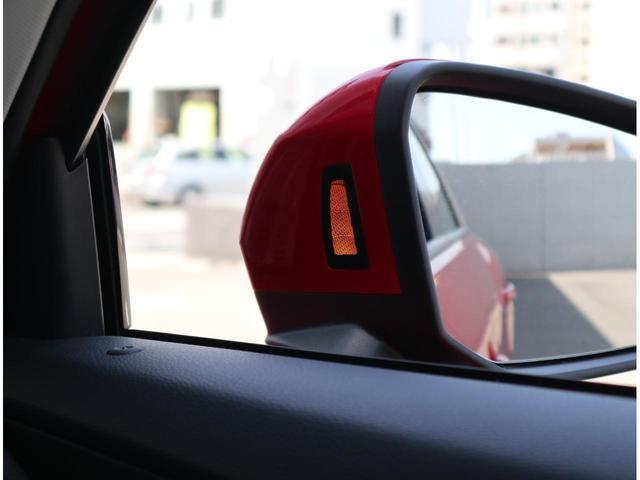 時速30km以上で作動し後方から車両接近を知らせてくれる安心のシステムです。ヒヤリとする場面を軽減してくれます。