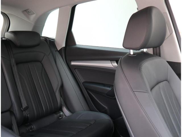 SUVらしい後席の広々とした空間です。窮屈を感じさせません。