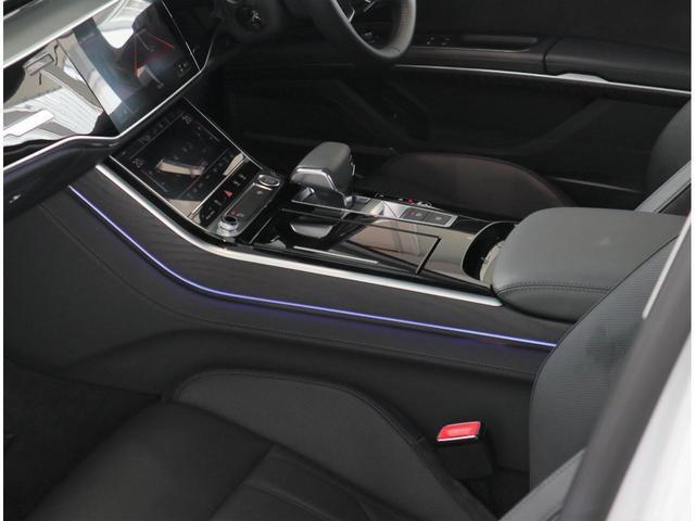 ●扱いやすく、一見しただけでスイッチの配列が分かる機能的なインストゥルメントパネル。●どこから見ても重厚感のある存在感に溢れるお車です。