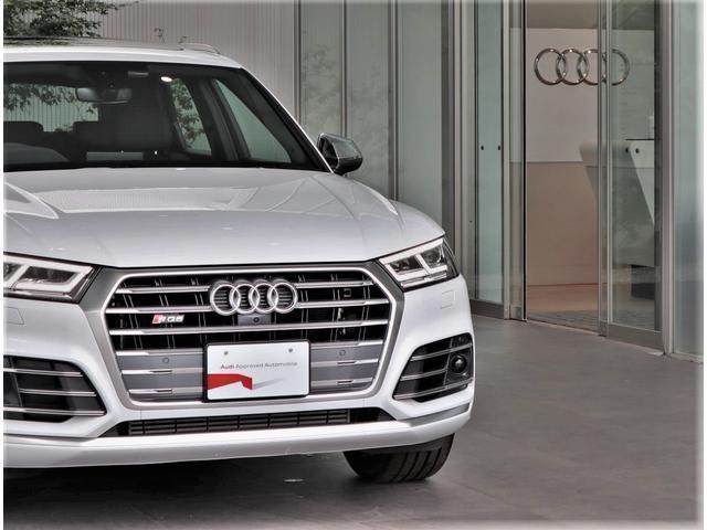 ・先代からデザインが変らないシングルフレームグリルです。全車同じデザインで統一感があり、Audiのアイコンの一つです。