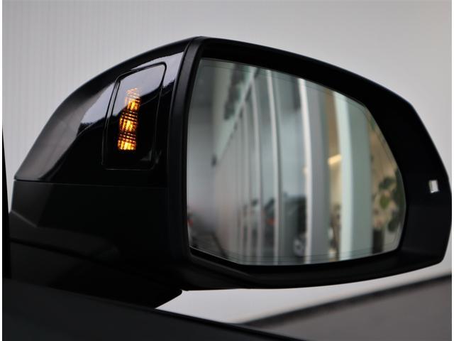 【サイドアシスト】時速30km以上で作動し後方から車両接近を知らせてくれる安心のシステムです。ヒヤリとする場面を軽減してくれます。